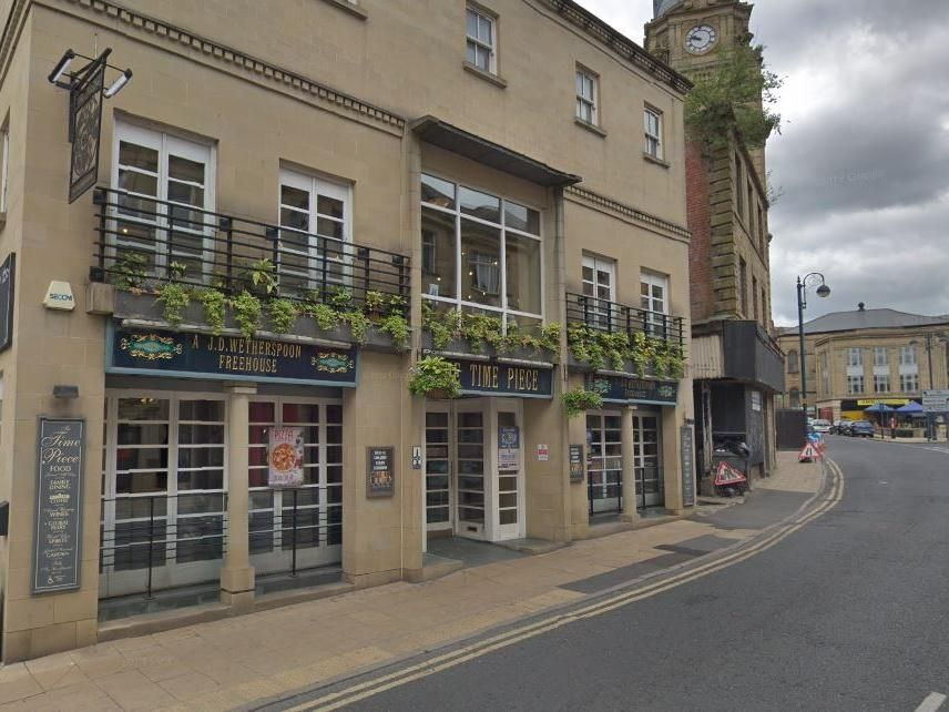 Car Crashes Into Dewsbury Wetherspoons Pub The Time Piece