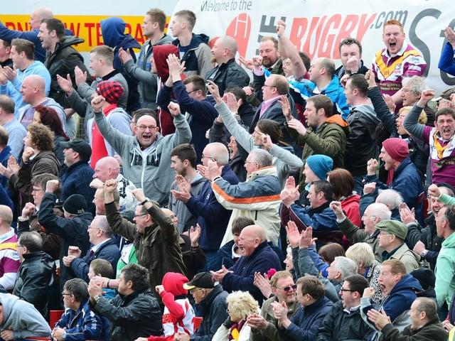 Batley Bulldogs fans. PICTURE BY ALEX BROADWAY/SWPIX.COM