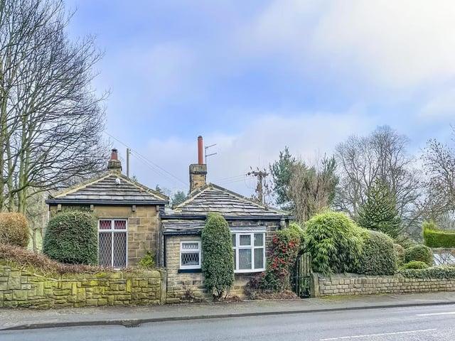 Garden Cottage on Dewsbury Road, Gomersal