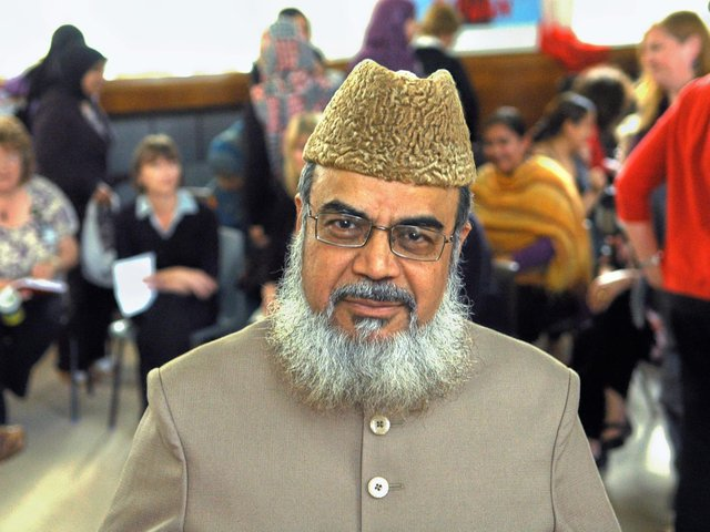 Senior Muslim scholar Professor Shahid Raza Naeemi is backing the Reporter series 'Be a vaccine hero' campaign